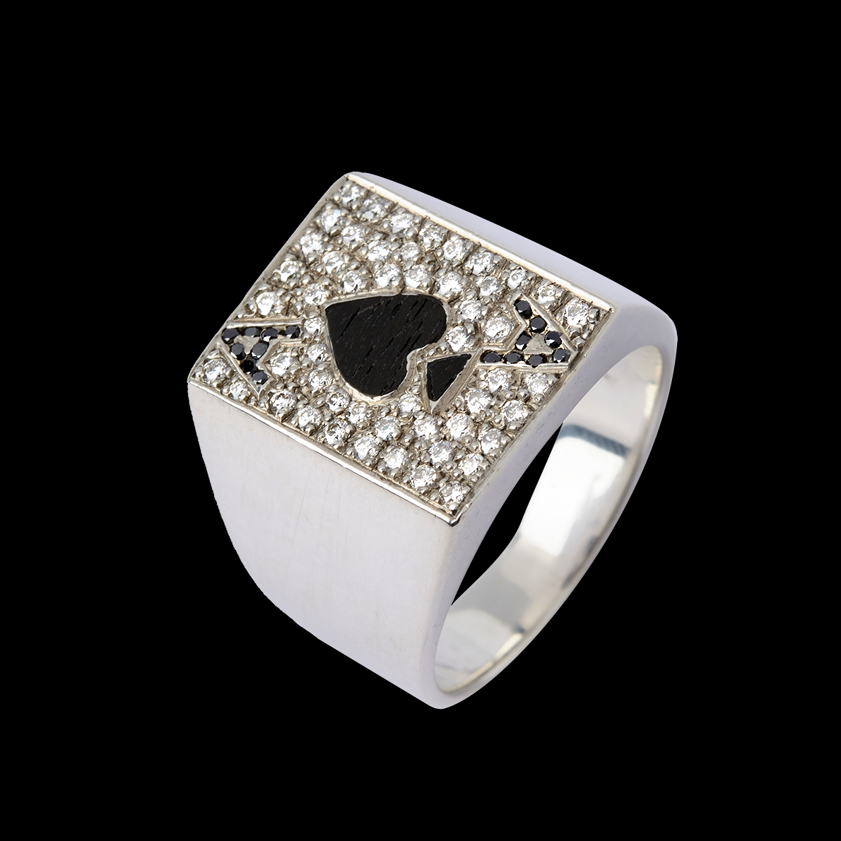 Paved Diamond With Wood Ace Of Club Ring 1 0ct